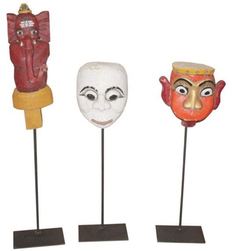 Houten Masker op Voet