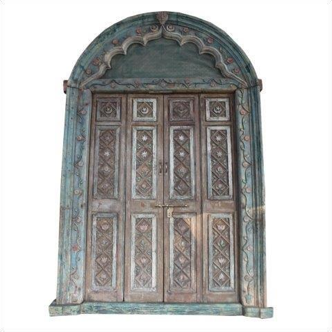 Houten vintage gesneden deur